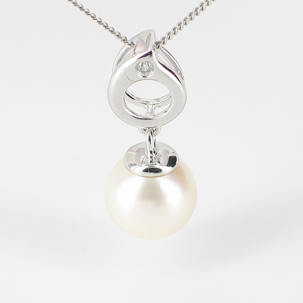 Pearl & Diamond Pendant Necklace 8-8.5MM On 9K White Gold