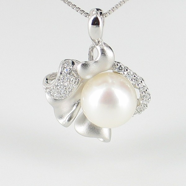 Large 8.5-9mm Pearl & Cubic Zirconia Pendant Necklace Pearl On Sterling Silver