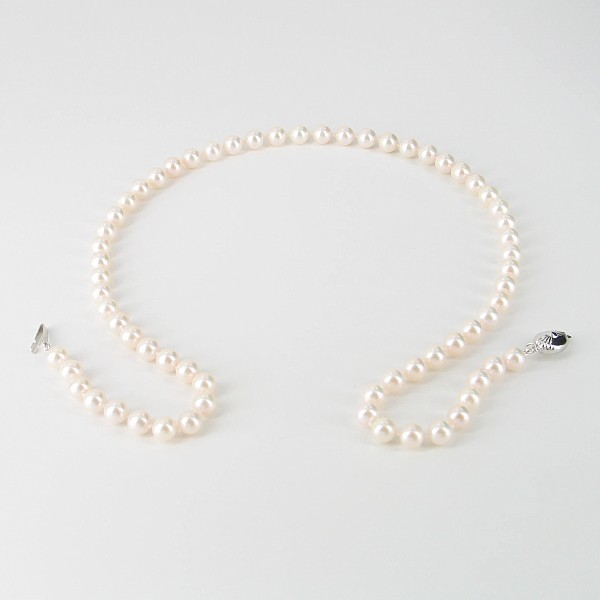 Akoya Saltwater Pearl Necklace 6-6.5mm With 9K White Gold