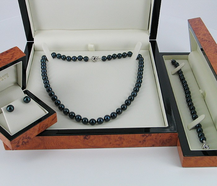 Black Beauty 7.5-8mm Akoya Pearl Necklace Set With 18K White Gold