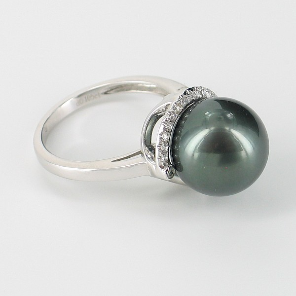 Black Tahitian Pearl And Diamond Ring 12-12.5mm On 18K White Gold