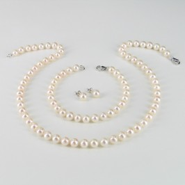 Classic Princess Pearl Necklace Set, 6.5-7mm Pearls With 14K White Gold