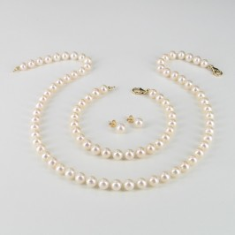 Classic Princess White Pearl Set, 6.5-7mm Pearls With 14K Yellow Gold
