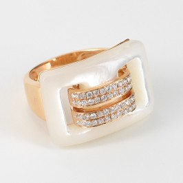 Mother Of Pearl Ring With Diamonds On 18K Rose Gold