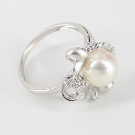 White Pearl & Cubic Zirconia Ring Round Pearl On Sterling Silver