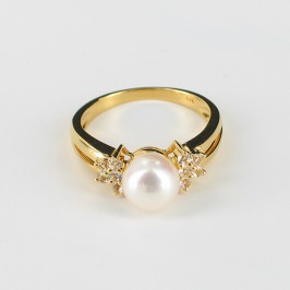 White Pearl & Topaz Ring Round  On 18K Gold Vermeil