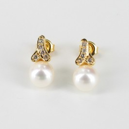 White Pearl & Topaz Drop Earrings Round  On 18K Gold Vermeil