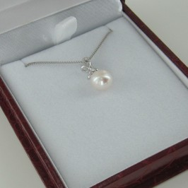 Pearl & Cubic Zirconia Pendant Necklace 8-8.5mm On 925 Sterling Silver