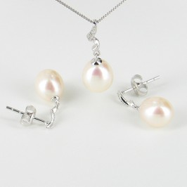 Drop Pearl & Diamond Pendant & Earrings Set 7.5-8.5mm 9K White Gold