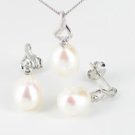 Drop Pearl & Diamond Pendant Set 7.5-8.5mm 9K White Gold