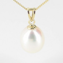 Cream Drop Pearl Pendant Necklace 8.5-9mm On 9K Yellow Gold