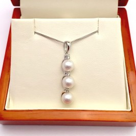 White Triple Pearl & Triple Diamond Pendant Neckace 6-6.5mm 9K White Gold