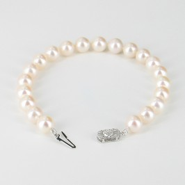 The Boss Round Pearl Bracelet AAA 8-8.5mm With 14K White Gold