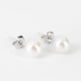 Small Akoya Saltwater Pearl Earrings 6-6.5mm On 9K White Gold