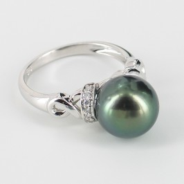 Black Tahitian Pearl & Diamond Ring Round Pearl 9K White Gold