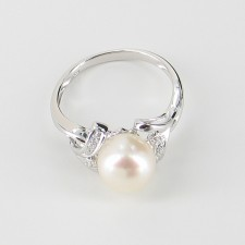 White Freshwater Pearl & Cubic Zirconia Ring Pearl On Sterling Silver