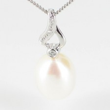 Freshwater Drop Pearl and Diamond Pendant Necklace On 9K White Gold