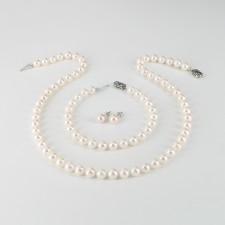 Classic Saltwater Akoya Pearl Set 7-7.5mm With 14K White Gold