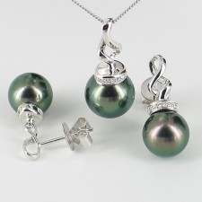 Tahitian Pearl & Diamond Pendant Set 9-11mm On 9K White Gold