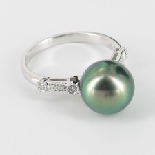 Black Tahitian 10-11mm Pearl Ring With Diamonds On 9K White Gold
